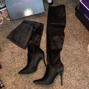 Anne Michelle satin knee high boots sz7/12